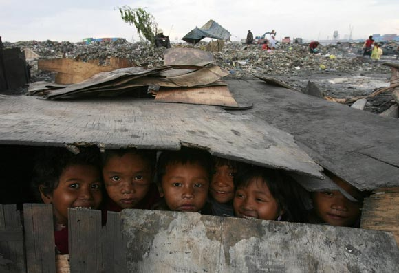 40 35 Excellent Photos To Express The Poverty